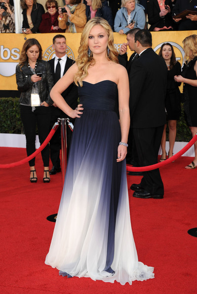Actress Julia Stiles arrives at the 17th Annual Screen Actors Guild Awards held at The Shrine Auditorium on January 30, 2011 in Los Angeles, California.