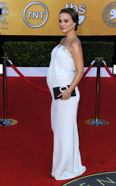 Actress Natalie Portman arrives at the 17th Annual Screen Actors Guild Awards held at The Shrine Auditorium on January 30, 2011 in Los Angeles, California.