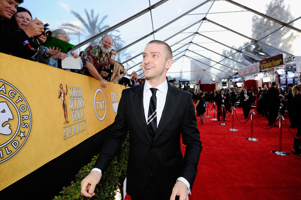 Singer/actor Justin Timberlake arrives at the 17th Annual Screen Actors Guild Awards held at The Shrine Auditorium on January 30, 2011 in Los Angeles, California.