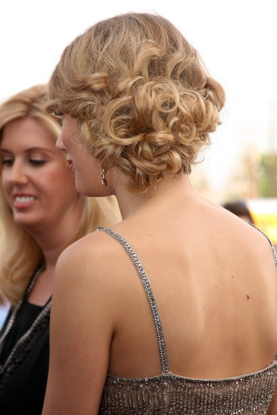 Long Curly Prom Updo Hairstyles Pictures