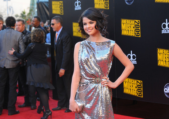 Selena Gomez Actress Selena Gomez arrives at the 2009 American Music Awards at Nokia Theatre L.A. Live on November 22, 2009 in Los Angeles, California.