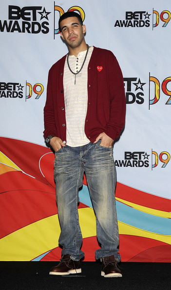 2009 bet awards press room in this photo drake rapper drake poses in    Rapper Drake Feet
