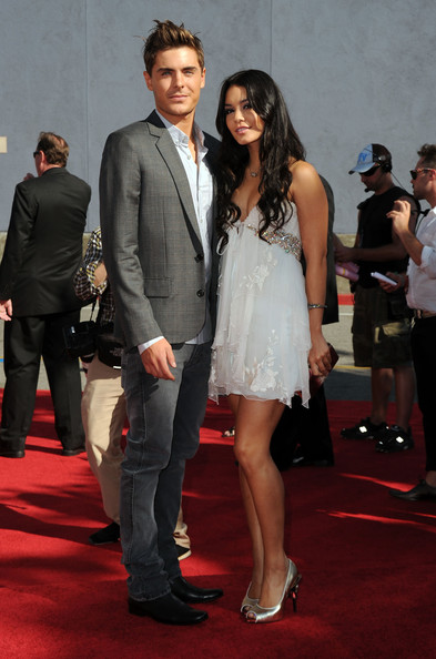 Vanessa Hudgens Mtv Movie Awards Dress. 2010 MTV Movie Awards -