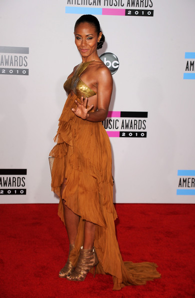 Actress Jada Pinkett Smith arrives at the 2010 American Music Awards held at Nokia Theatre L.A. Live on November 21, 2010 in Los Angeles, California.