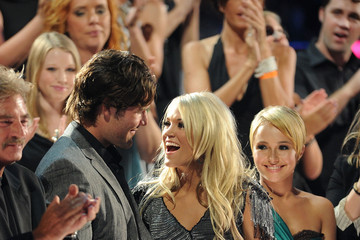 Mike Fisher Carrie Underwood 2010 CMT Music Awards - Show