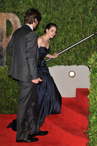 Actress Kristen Stewart arrives at the 2010 Vanity Fair Oscar Party hosted by Graydon Carter held at Sunset Tower on March 7, 2010 in West Hollywood, California.