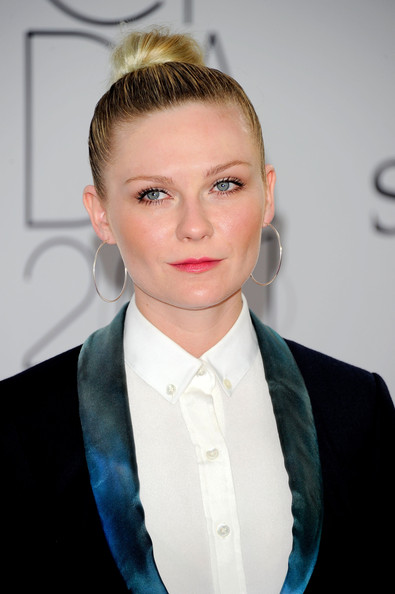 Kirsten Dunst attends the 2011 CFDA Fashion Awards at Alice Tully Hall, Lincoln Center on June 6, 2011 in New York City.