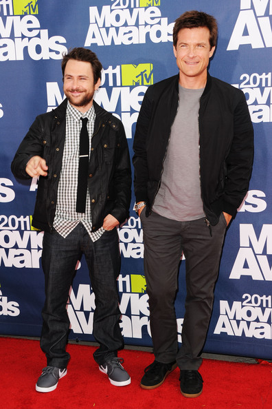 Actors Charlie Day and Jason Bateman arrives at the 2011 MTV Movie Awards at Universal Studios' Gibson Amphitheatre on June 5, 2011 in Universal City, California.