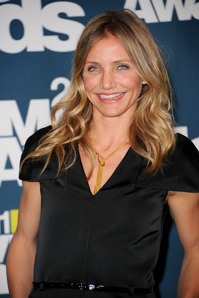 Actress Cameron Diaz poses in the press room during the 2011 MTV Movie Awards at Universal Studios' Gibson Amphitheatre on June 5, 2011 in Universal City, California.
