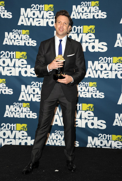 Host Jason Sudeikis poses in the press room during the 2011 MTV Movie Awards at Universal Studios' Gibson Amphitheatre on June 5, 2011 in Universal City, California.