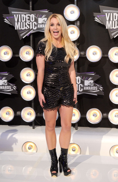 Singer Britney Spears arrives at the 2011 MTV Video Music Awards at Nokia Theatre L.A. LIVE on August 28, 2011 in Los Angeles, California.