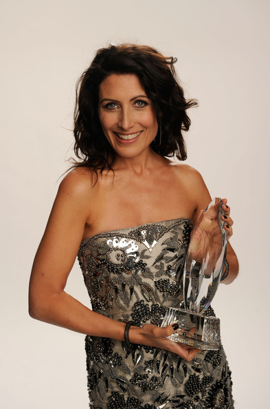 "Actress Lisa Edelstein, winner of the Favorite TV Drama Actress award for ""House"" pose for a portrait during the 2011 People's Choice Awards at Nokia Theatre L.A. Live on January 5, 2011 in Los Angeles, California."