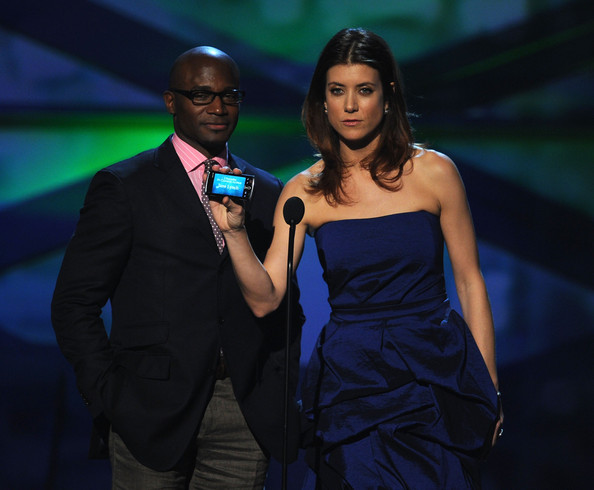 Actors Taye Diggs (L) and Kate Walsh speak onstage during the 2011 People's Choice Awards at Nokia Theatre L.A. Live on January 5, 2011 in Los Angeles, California.