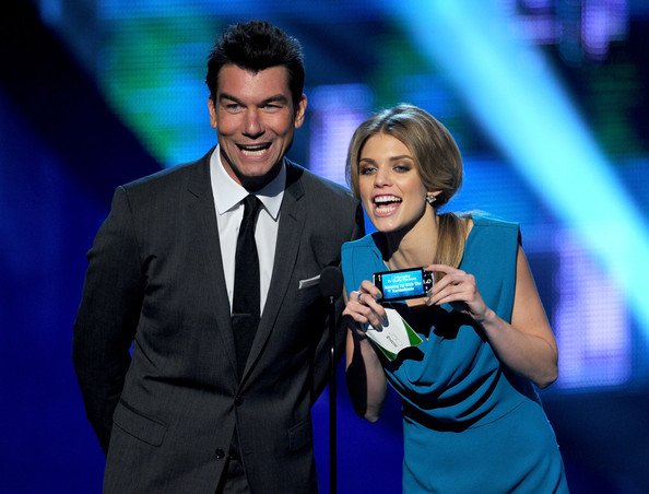 Actors Jerry O'Connell (L) and AnnaLynne McCord speak onstage during the 2011 People's Choice Awards at Nokia Theatre L.A. Live on January 5, 2011 in Los Angeles, California.