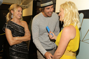 Dax Shepard 2011 VH1 Do Something Awards - Backstage And Audience