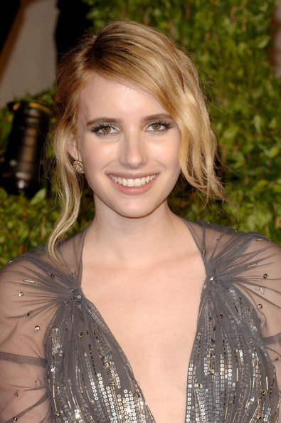Actress Emma Roberts arrives at the Vanity Fair Oscar party hosted by Graydon Carter held at Sunset Tower on February 27, 2011 in West Hollywood, California.