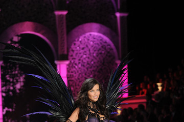 Adriana Lima 2011 Victoria's Secret Fashion Show - Runway