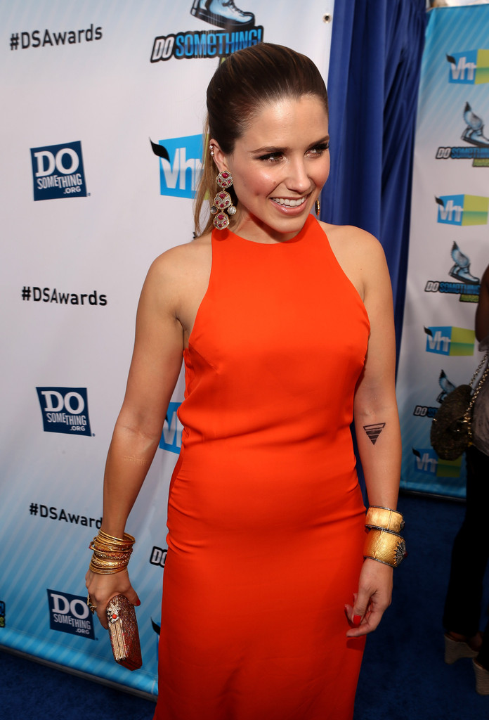 Who is sophia bush dating july 2012
