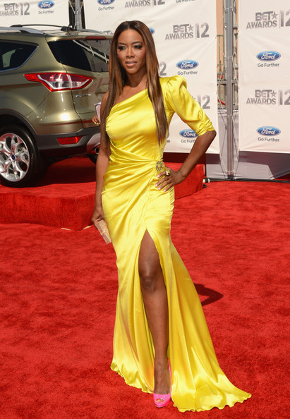 Model Kenya Moore arrives at the 2012 BET Awards at The Shrine Auditorium on July 1, 2012 in Los Angeles, California.