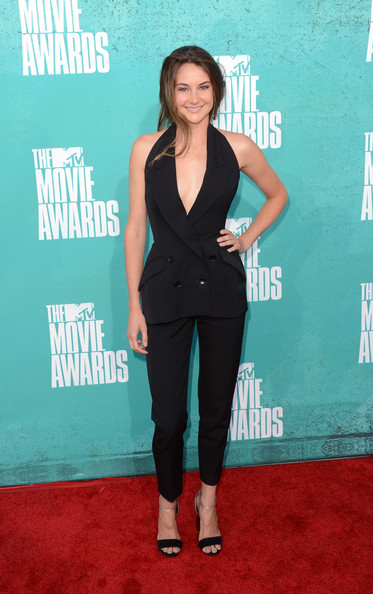 Actress Shailene Woodley arrives at the 2012 MTV Movie Awards held at Gibson Amphitheatre on June 3, 2012 in Universal City, California.