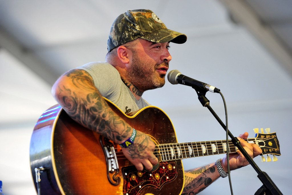 aaron lewis photos photos 2012 stagecoach california 39 s country music festival day 3 zimbio. Black Bedroom Furniture Sets. Home Design Ideas
