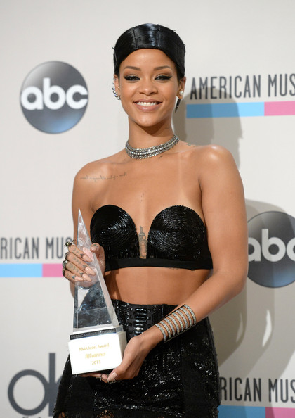 Image result for rihanna 2013 icon award