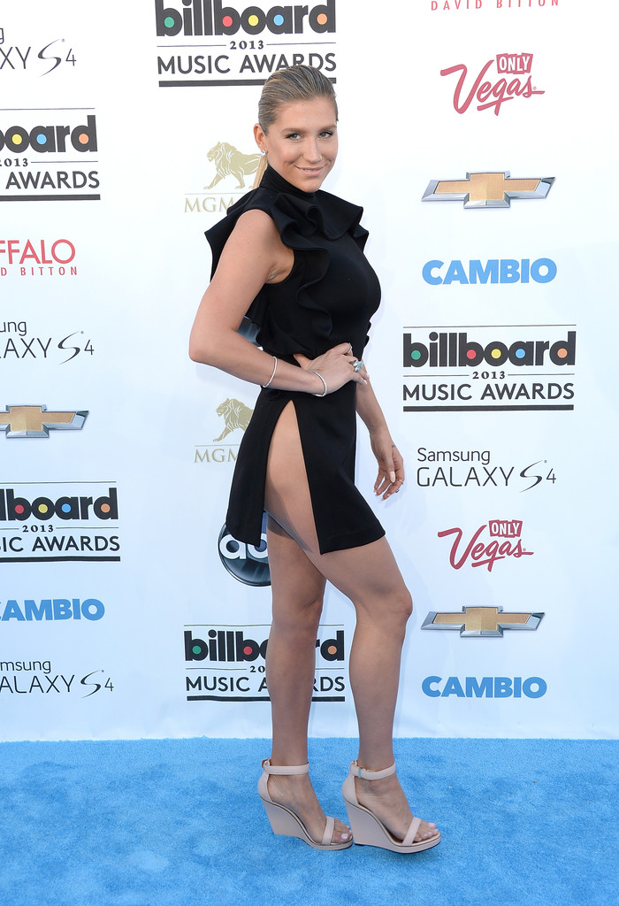 2013+Billboard+Music+Awards+Arrivals+U-w