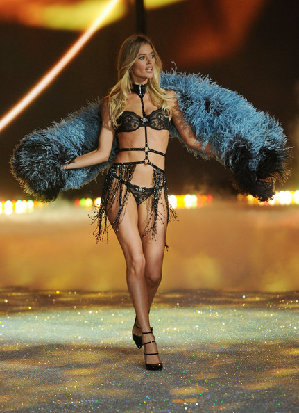 Model Doutzen Kroes walks the runway at the 2013 Victoria's Secret Fashion Show at Lexington Avenue Armory on November 13, 2013 in New York City.
