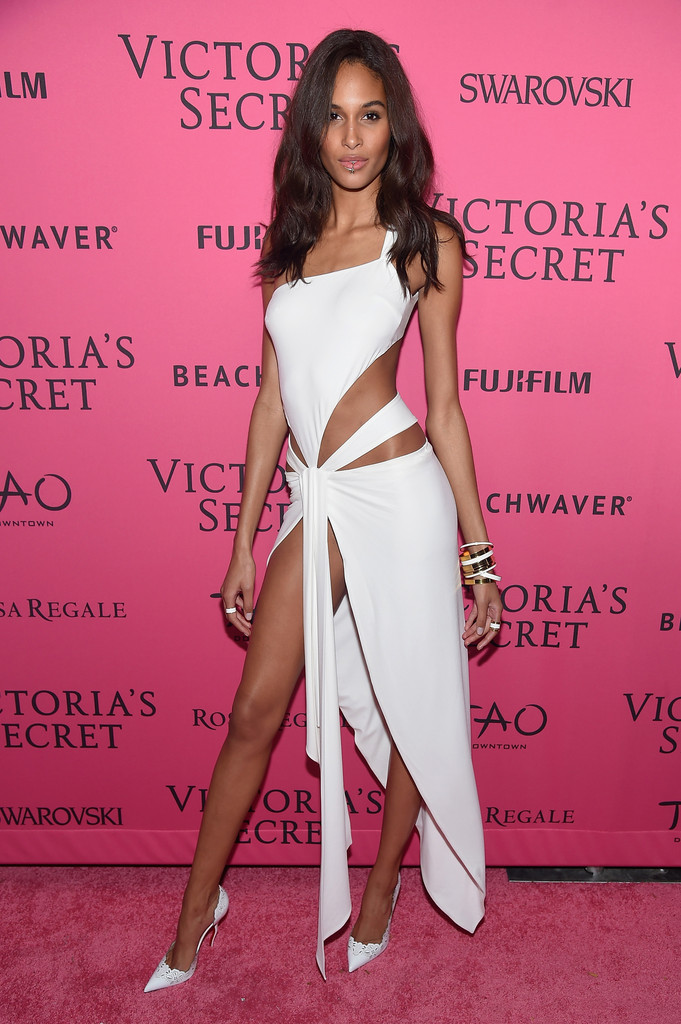 9e37b2d1de Cindy Bruna Photos Photos - 2015 Victoria's Secret Fashion After ...