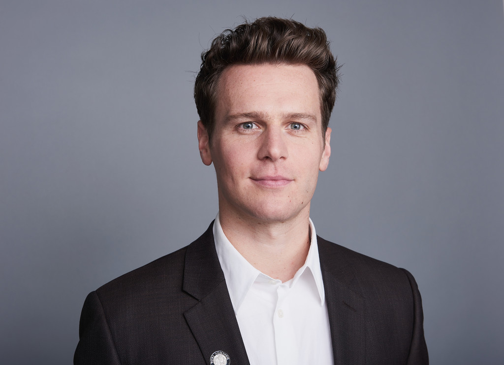 jonathan groff - photo #37