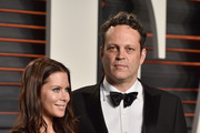 Actor Vince Vaughn (R) and Kyla Weber attend the 2016 Vanity Fair Oscar Party Hosted By Graydon Carter at the Wallis Annenberg Center for the Performing Arts on February 28, 2016 in Beverly Hills, California.