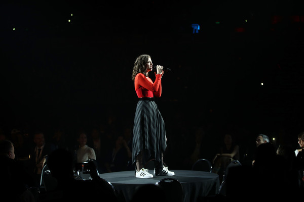 Lorde paired a striped, handkerchief-hem skirt with a red top for her performance at the 2017 Vodafone New Zealand Music Awards.