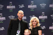 Craig Anderson of the Ottawa Senators and his wife Nicholle Anderson arrive with their sons Jake and Levi to the 2018 NHL Awards presented by Hulu at the Hard Rock Hotel & Casino on June 20, 2018 in Las Vegas, Nevada.