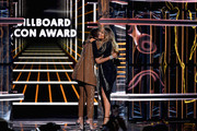 Mariah Carey (R) accepts the Icon Award from Jennifer Hudson onstage during the 2019 Billboard Music Awards at MGM Grand Garden Arena on May 1, 2019 in Las Vegas, Nevada.