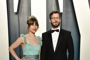 Joanna Newsom and Andy Samberg attend the 2020 Vanity Fair Oscar Party hosted by Radhika Jones at Wallis Annenberg Center for the Performing Arts on February 09, 2020 in Beverly Hills, California.
