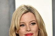 Elizabeth Banks attends the 2020 Vanity Fair Oscar Party hosted by Radhika Jones at Wallis Annenberg Center for the Performing Arts on February 09, 2020 in Beverly Hills, California.