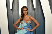 Joan Smalls attends the 2020 Vanity Fair Oscar Party hosted by Radhika Jones at Wallis Annenberg Center for the Performing Arts on February 09, 2020 in Beverly Hills, California.
