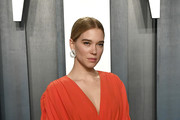 Léa Seydoux attends the 2020 Vanity Fair Oscar Party hosted by Radhika Jones at Wallis Annenberg Center for the Performing Arts on February 09, 2020 in Beverly Hills, California.