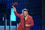 Alejandro Sanz accepts his Record of The Year Award onstage during the 20th annual Latin GRAMMY Awards at MGM Grand Garden Arena on November 14, 2019 in Las Vegas, Nevada.