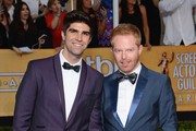 Jesse Tyler Ferguson and Justin Mikita - The Hottest Couples at the 2014 SAG Awards