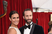 Maria Dolores Dieguez (L) and actor Joseph Fiennes attend the 24th Annual Screen ActorsGuild Awards at The Shrine Auditorium on January 21, 2018 in Los Angeles, California.