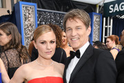 (L-R) Anna Paquin and Stephen Moyer attend the 26th Annual Screen Actors Guild Awards at The Shrine Auditorium on January 19, 2020 in Los Angeles, California. 721407