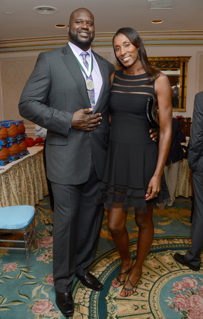¿Cuánto mide Lisa Leslie? - Real height 27th+Annual+Great+Sports+Legends+Dinner+Benefit+pVss4e-Tg7Qx