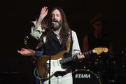 Chris Robinson performs on stage during 32nd Annual Tibet House US Benefit Concert & Gala at Carnegie Hall on February 07, 2019 in New York City.