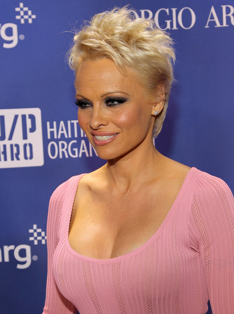 pamela anderson photos photos 3rd annual sean penn friends help haiti home gala benefiting j. Black Bedroom Furniture Sets. Home Design Ideas