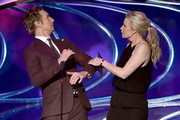 Actor Dax Shepard (L) and actress Monica Potter perform onstage at The 41st Annual People's Choice Awards at Nokia Theatre LA Live on January 7, 2015 in Los Angeles, California.