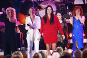 (FOR EDITORIAL USE ONLY)  (L-R) Kimberly Schlapman of Little Big Town, Jennifer Nettles, Sara Evans, Crystal Gayle and Reba McEntire perform onstage during the 53rd annual CMA Awards at the Bridgestone Arena on November 13, 2019 in Nashville, Tennessee.