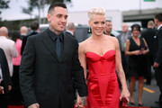 Pink and Carey Hart - The Hottest Couples at the 2014 Grammy Awards