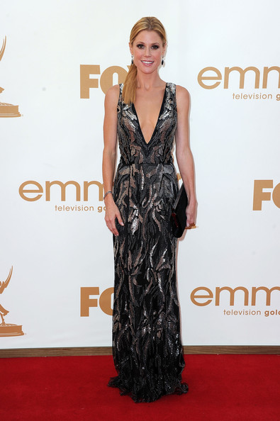 Actress Julie Bowen arrives at the 63rd Annual Primetime Emmy Awards held at Nokia Theatre L.A. LIVE on September 18, 2011 in Los Angeles, California.