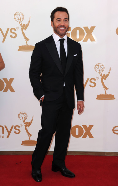 Actor Jeremy Piven arrives at the 63rd Annual Primetime Emmy Awards held at Nokia Theatre L.A. LIVE on September 18, 2011 in Los Angeles, California.